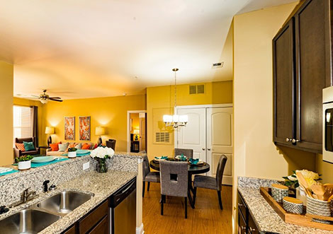 Gateway at Rock Hill - Kitchen and Dining