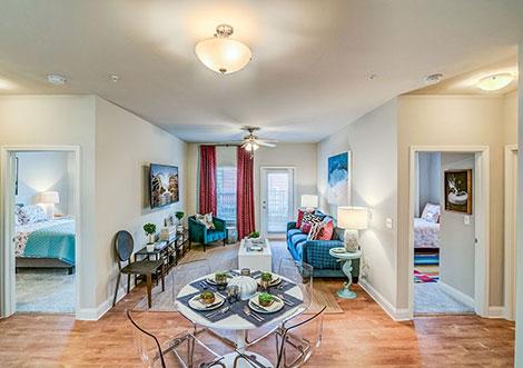 4830 Westcott - Living Space